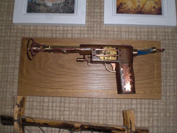 пистоль (Фото 2)