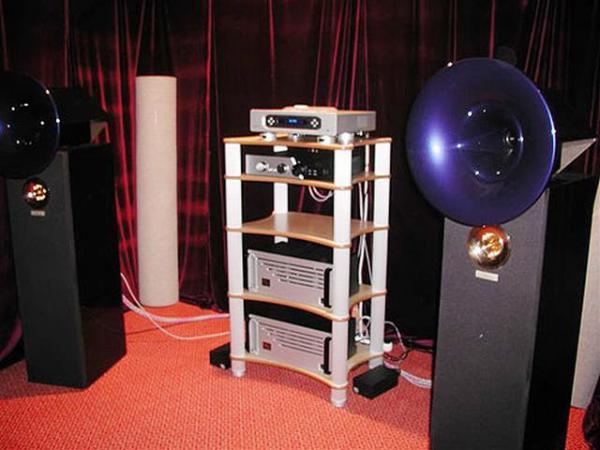 Схемы простеньких (лабораторных, практически -гетто плазмотвиттеров) ионофонов, использующих звуковую модуляцию...