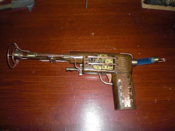 пистоль (Фото 3)