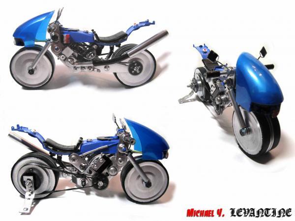 Мотоциклы из мусора от Michael Y.