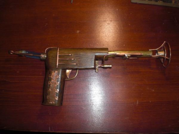пистоль (Фото 4)
